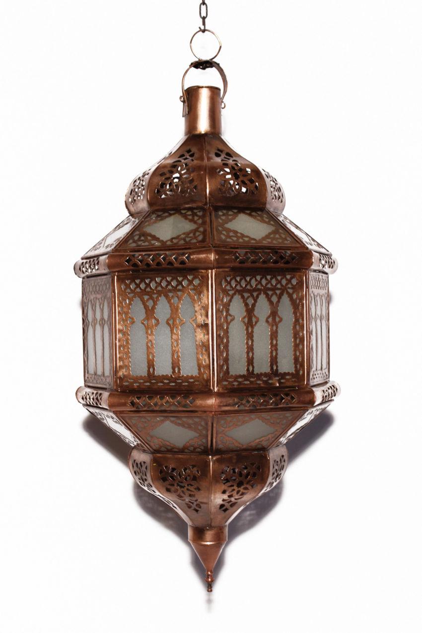 Orient Lampe Gharra sorgt für viel Licht über einem Tisch oder im ganzen Raum.