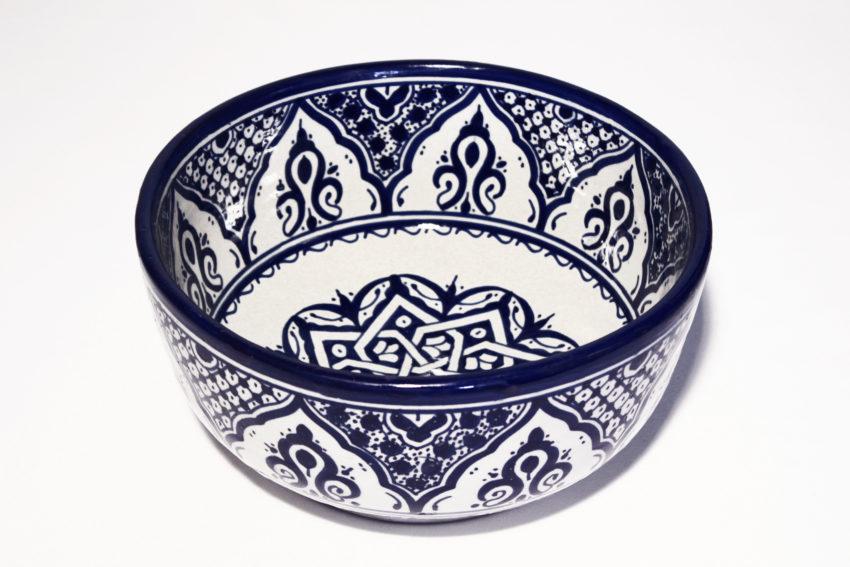 Die orientalischen Schüsseln aus Steingut eignen sich für jede Küche. Orientalisches Geschirr von El-Fesi / Oriental Art Decor.