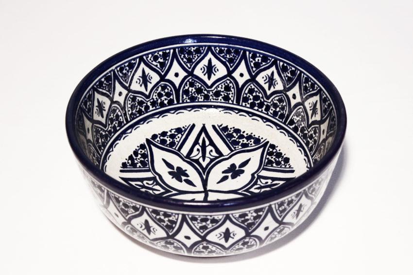 Die orientalischen Schüsseln aus Steingut eignen sich für jede Küche. Orientalisches Geschirr von El-Fesi / Oriental Art Decor
