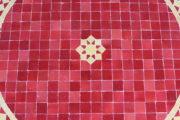 Die orientalischen Mosaiktische werden in Marokko von ausgewählten Künstlern hergestellt. Marokkanische Handwerkskunst erhältlich bei El-Fesi / Oriental Art Decor.