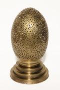 Die orientalische Tischlampe Leila wird in Marokko von ausgewählten Künstlern hergestellt. Einzigartige Tischlampen erhältlich bei El-Fesi / Oriental Art Decor.