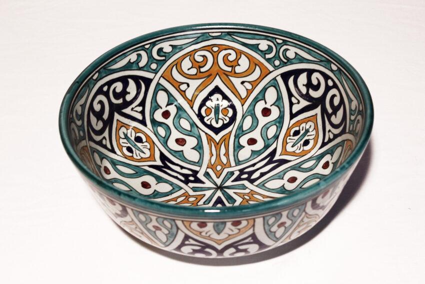 Die orientalische Schüssel Romana aus Steingut eignet sich für jede Küche. Orientalisches Geschirr von El-Fesi / Oriental Art Decor.
