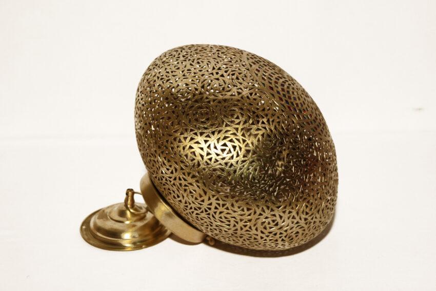 Die Orient Lampe Mira wird in Marokko von ausgewählten Künstlern hergestellt. Die Orient Lampen verzaubern Ihre Umgebung in ein Ambiente aus 1001 Nacht.
