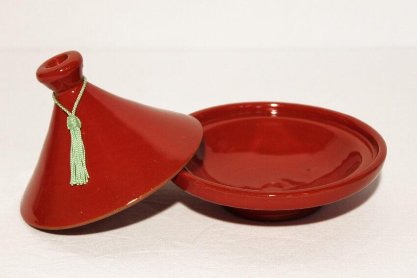 Die traditionelle glasierte Tajine Deko wird in Marokko hergestellt. Marokkanische Tajine Deko kaufen im Onlineshop von El-Fesi / Oriental Art Decor.