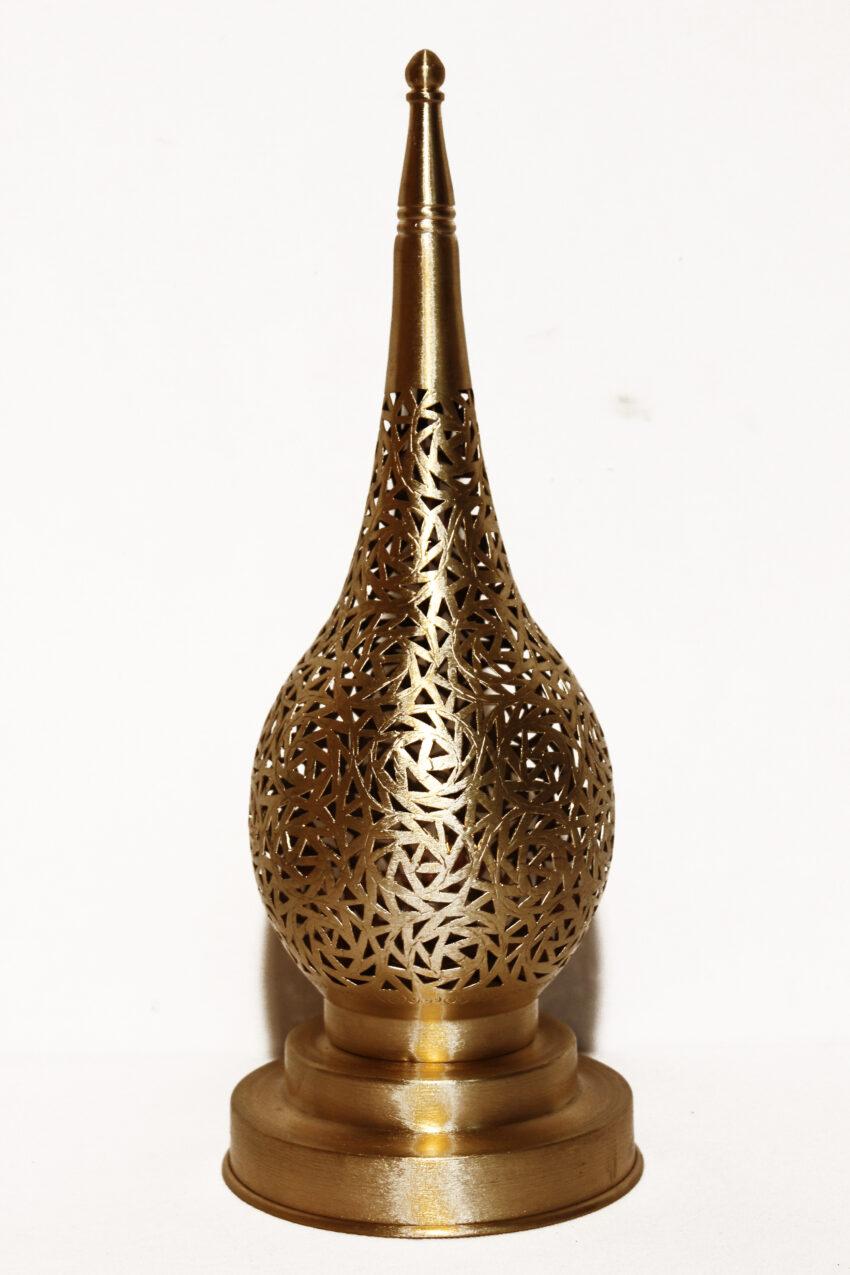 Die orient Tischlampe Yemina wird in Marokko von ausgewählten Künstlern hergestellt. Einzigartige Tischlampen erhältlich bei El-Fesi / Oriental Art Decor.
